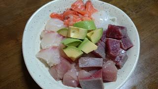 【筋トレ海鮮刺身丼】肉類に胃腸が疲れた時におすすめの魚料理