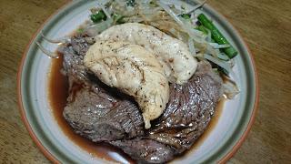 【牛肉とササミのWステーキ】アミノ酸バランスを常に考える