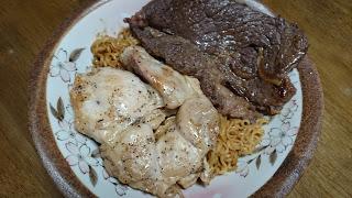 【ハイローミックスランチ】インスタント焼きそばをステーキで蛋白質強化