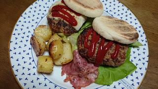 【ビーフ100%ハンバーガー】手作りするとジャンクフードが優良食品に早変わり