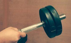 【リストハンマー】手首を縦に立てる=外転させる前腕の筋トレ器具と鍛え方を解説