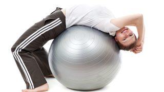 【バランスボールバックエクステンション女性版】背中の引き締めトレーニングとしても最適