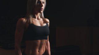 【筋トレ女子の美ボディメイクメニュー】ジムマシントレーニングの組み方