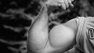 【上腕二頭筋を鍛える腕立て伏せ】筋肉の作用を利用した筋トレ