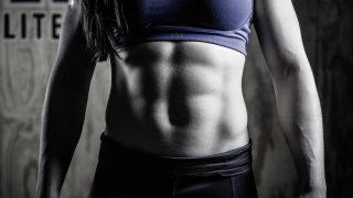 【腹筋を割る筋トレメニュー女性版】具体的で簡単な鍛え方と食事方法を女子ビルダーが解説