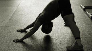 【筋肉部位別ストレッチ方法】大胸筋・背筋・三角筋・上腕・大腿別に動画で解説