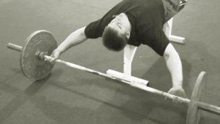 【広背筋のバーベル筋トレ】デッドリフト系とプルオーバー系での部位別の鍛え方